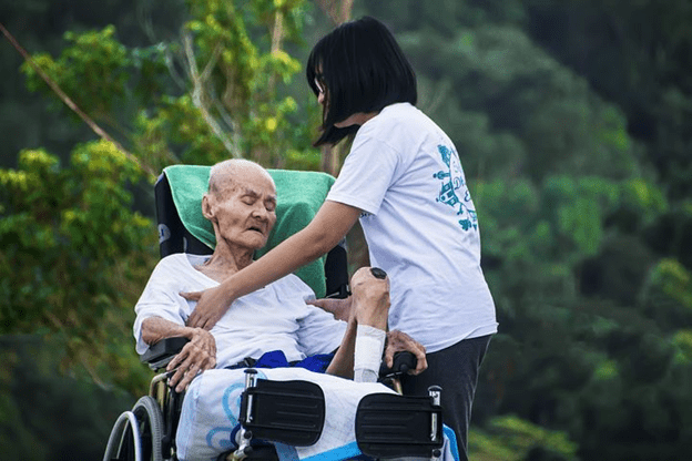 7 Qualities In-Home Caregivers Should Have